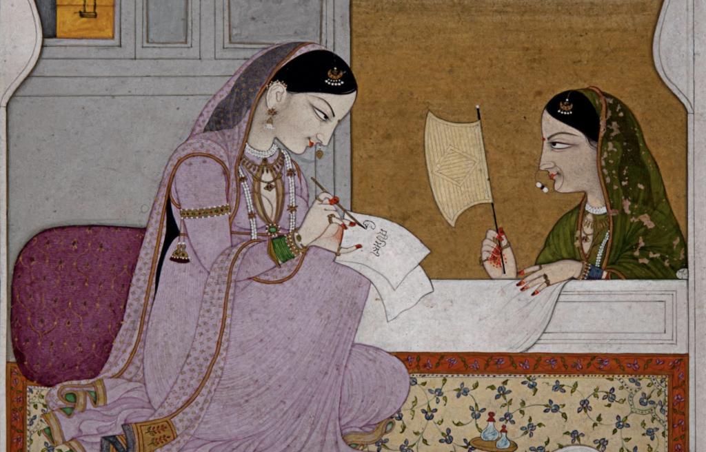 Pintura indiana antiga, retratando uma cena, em perspectiva bidimensional, de uma mulher com vestido roxo sentada sobre um tapete, escrevendo uma carta. A outra, atrás do que parece uma mesa, observa segurando algo que parece uma bandeira.